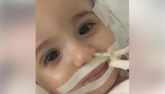 Marwa, la pequeña a la que los médicos querían desconectar, despierta del coma