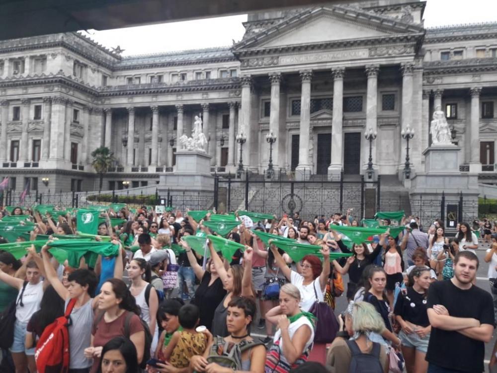 Frente al Congreso, reclamo por el aborto