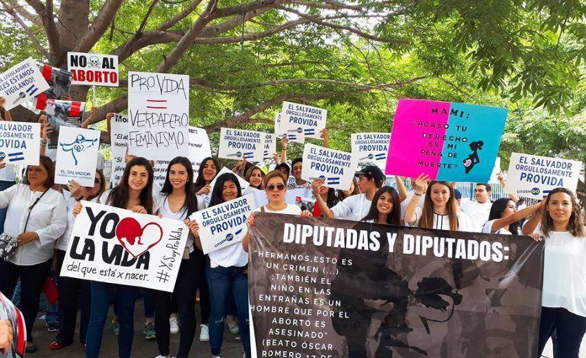 Victoria provida en El Salvador, fracasa intento de legalizar el aborto