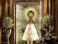 Actos de desagravio a la Virgen en Santiago y Zaragoza en respuesta al pregón cristianófobo