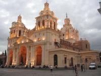 Según «expertos» elegidos por el Ayuntamiento socialista, la catedral de Córdoba no es de la Iglesia