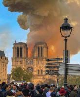 El incendio de la Catedral de Notre Dame conmociona a Francia y al mundo