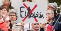 100 personalidades de la vida pública firman un manifiesto para «detener» la eutanasia en España
